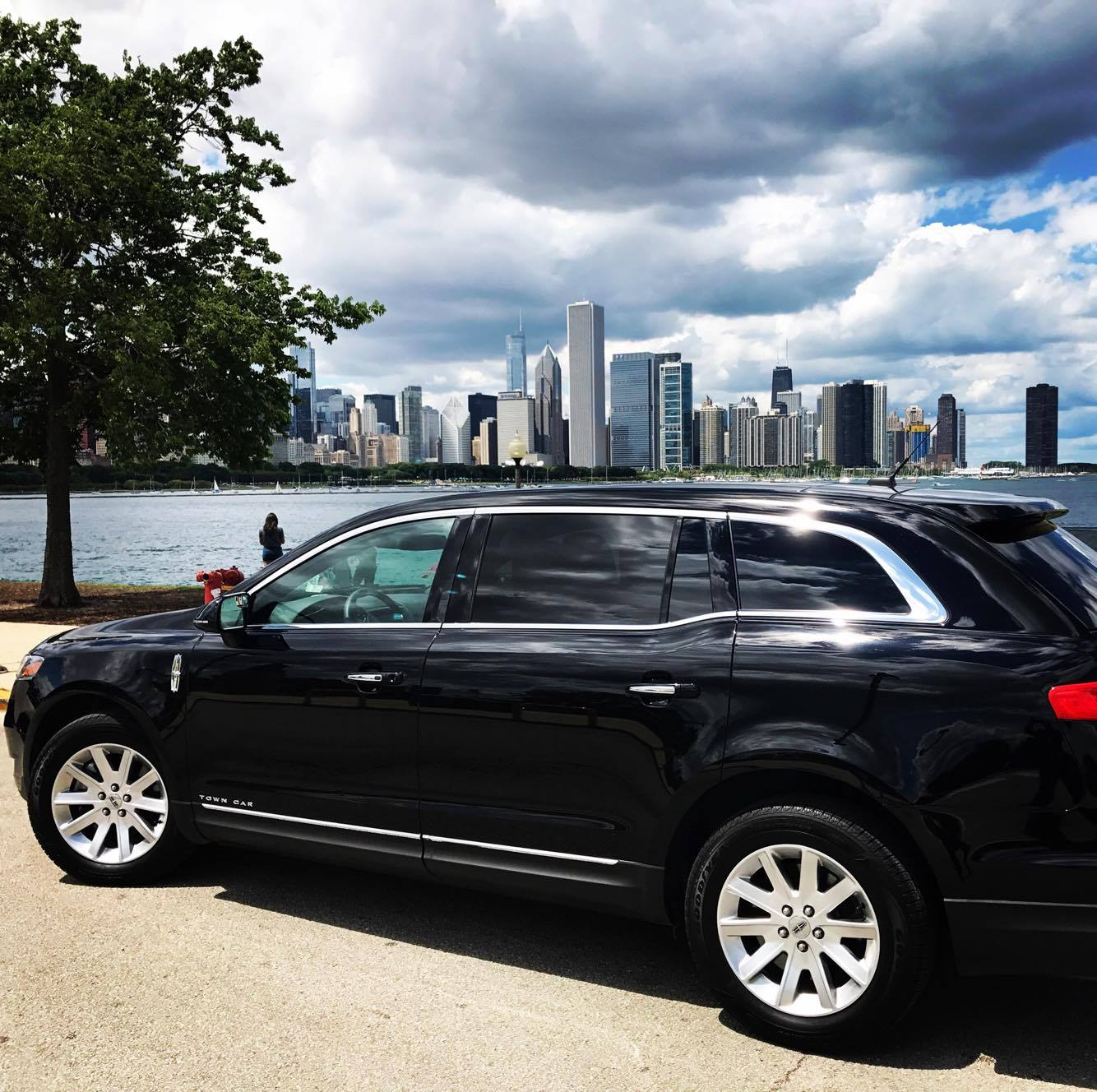 Chicago Limo & Private Car Service Rental